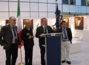 Bronze statues sculptures Gardini european parlament Bruxelles 2010