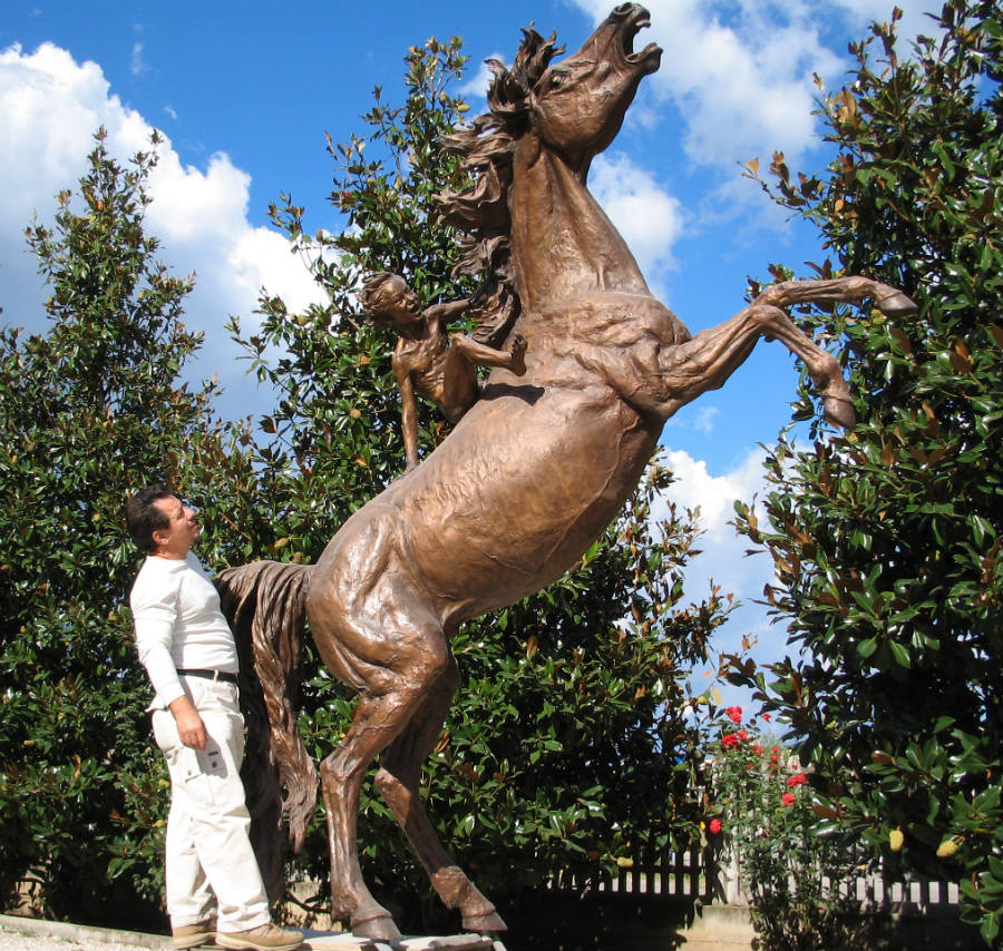 Horse bronze statue monuments in bronze sculptures for the garden and Vittorio Tessaro