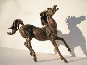 Sculptures-of-animals-horses-statuettes-in-bronze-code-Arab-Horse-cm25x30x11-year-1994