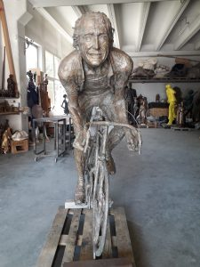 life-size-bronze-statues-large-giant-custom-sculptures-for-sale-10