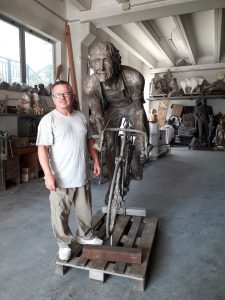 life-size-bronze-statues-large-giant-custom-sculptures-for-sale00