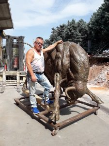 life-size-bronze-statues-large-giant-custom-sculptures-for-sale05