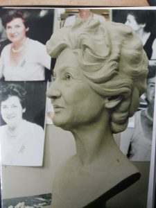 custom-made-sculptures-personalized-memorial-statue-maker-personalised-from-photo