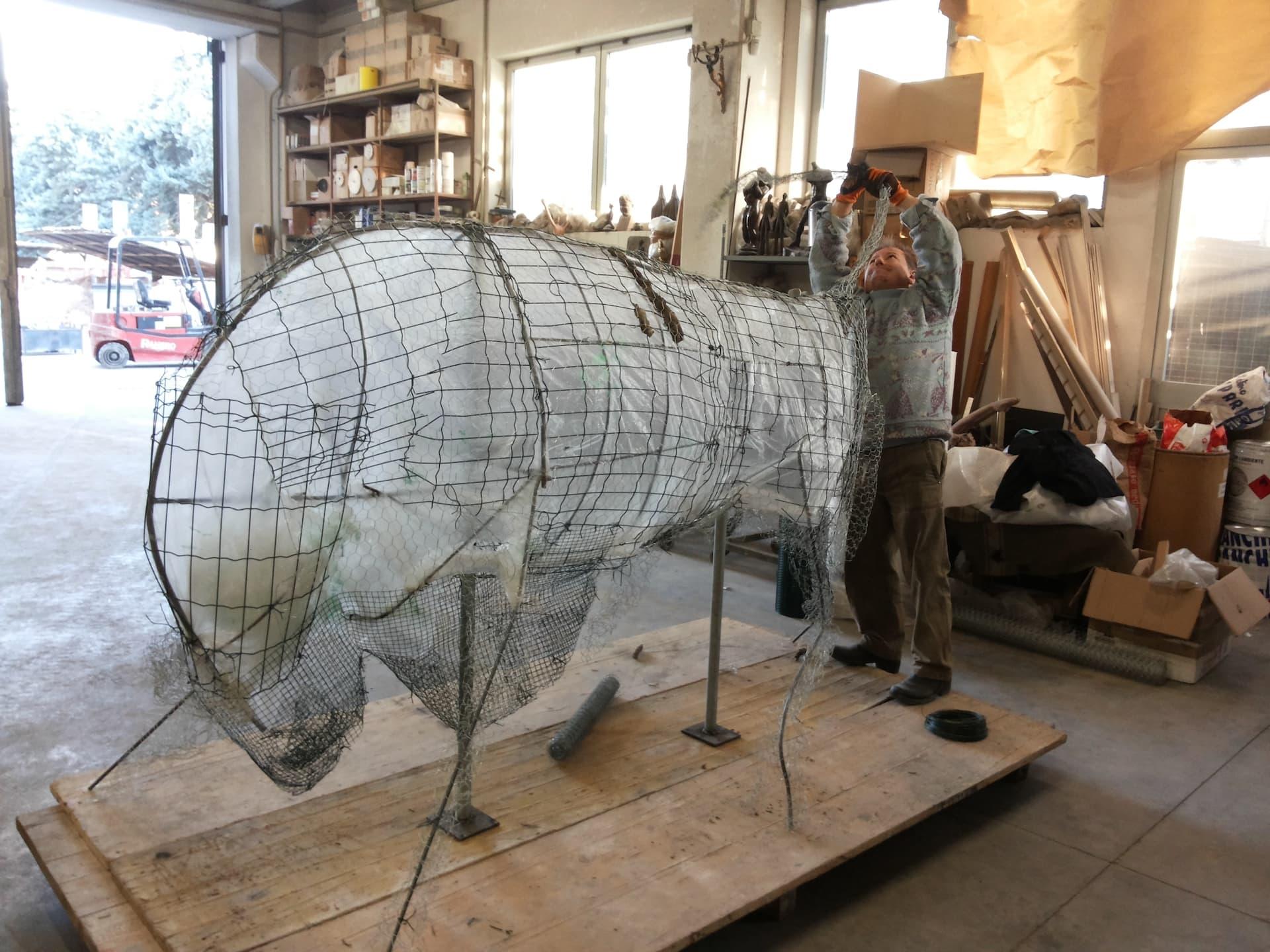 bronze-bull-custom-sculptures-large-life-size-statuette-for-sale01