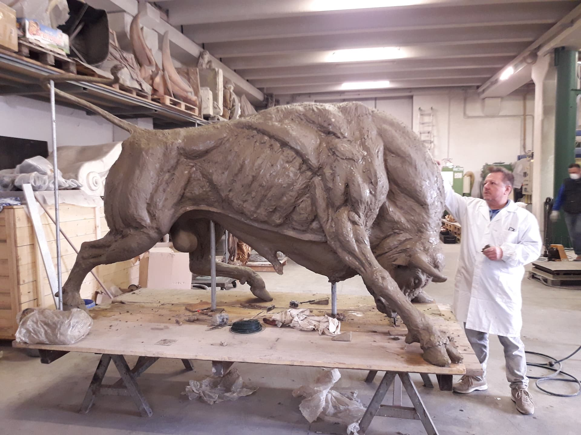 bronze-bull-custom-sculptures-large-life-size-statuette-for-sale02