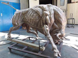 bronze-bull-custom-sculptures-large-life-size-statuette-for-sale03