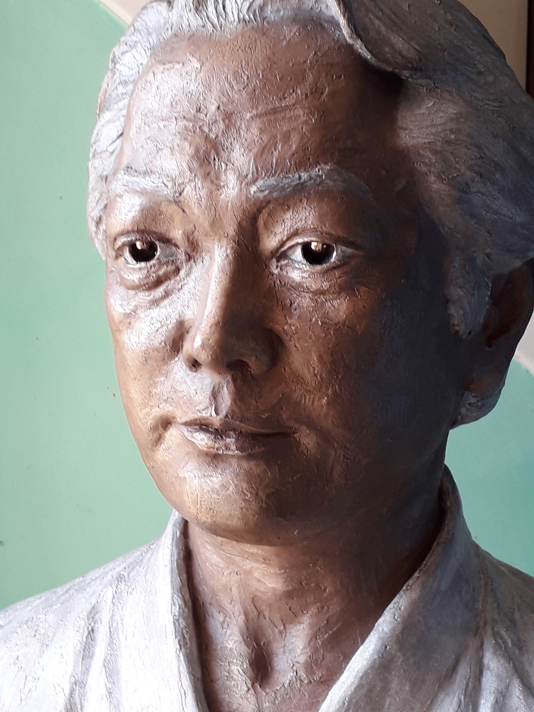 bronze-bust-custom-sculptures-statue-from-photo-personalized-memorial-statue-03