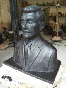 bronze-bust-custom-sculptures-statue-from-photo-personalized-memorial-statue-10